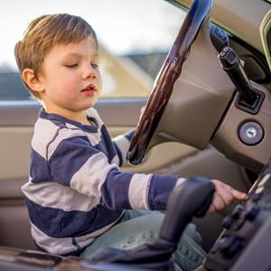 child safety kid in car square