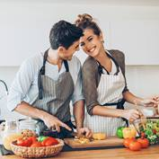 couples-cooking