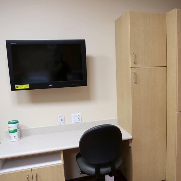 Each antepartum room comes with a TV, desk, and closet space