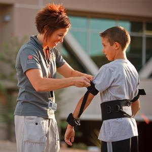 physical-therapy-boy-arm-brace-_S3B7528-square