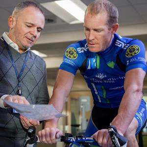 sports-medicine-and-performance-therapist-and-cyclist_MG_9877-square