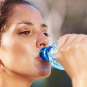 kidney-care-woman-drinking-water-iStock_000016752648_Full-square
