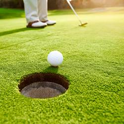 golfer_putter_ball_hole_square_web
