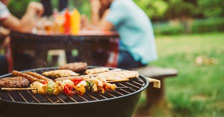 Two Food Safety Tips for Safe Backyard Barbeques