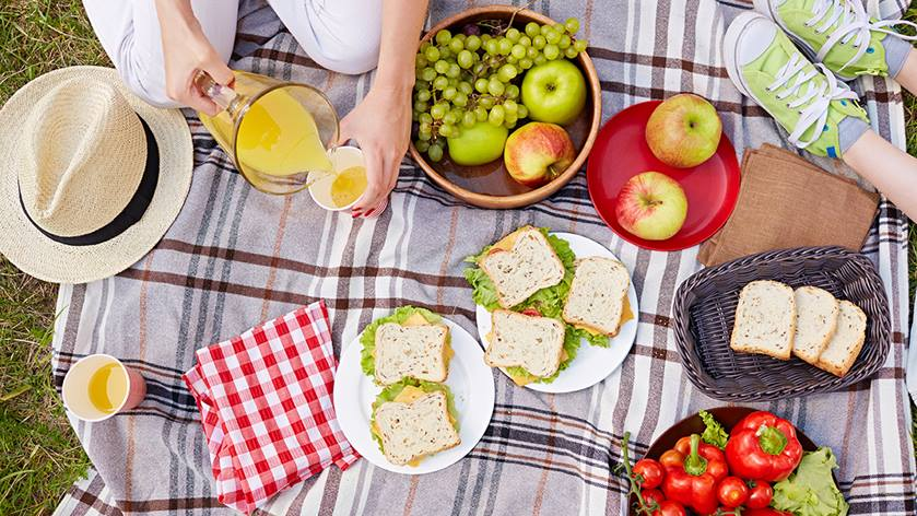 What to Pack for a Healthy Picnic