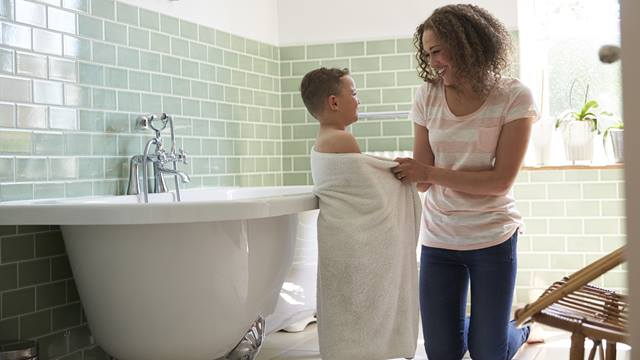 How often should you bathe your kids