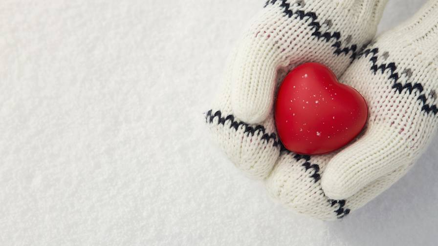 Using Random Acts of Kindness to Improve Your Holiday Season