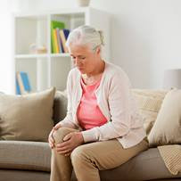 Older-Woman-Hurt-Knee