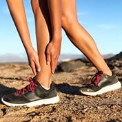 Runner-woman-with-hurt-ankles-Thumbnail