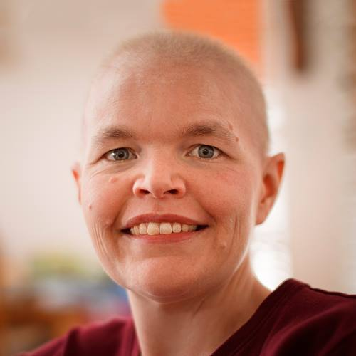 cancer-care-bald-woman-_50D7999-square
