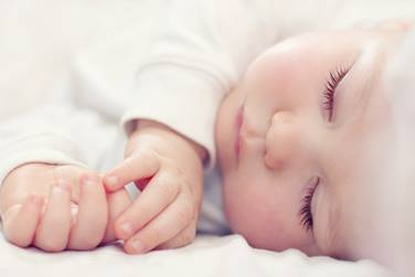 best-sleeping-positions-for-newborns